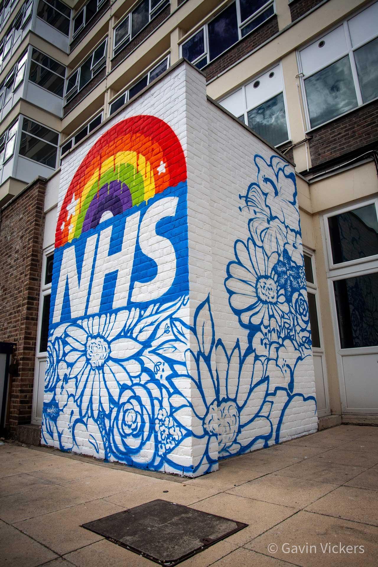 002-hospital-wall-mural-rainbow