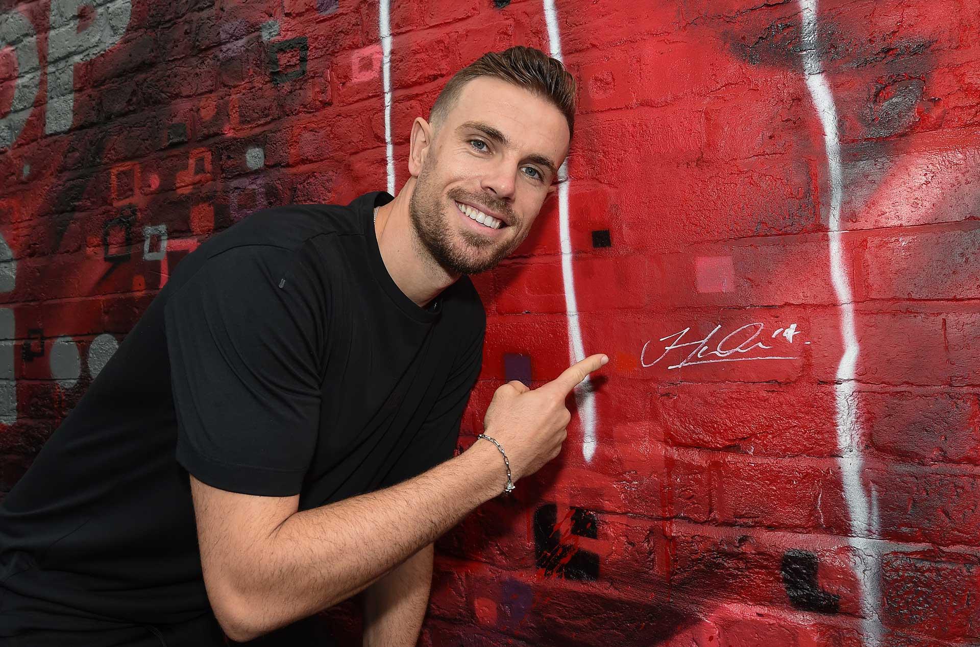 047-Jordan-Henderson-Hendo-autograph-Mural-lfc-premiership-champions