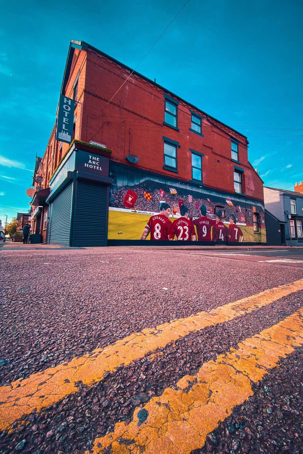 110-hotel-street-art-liverpoolfc