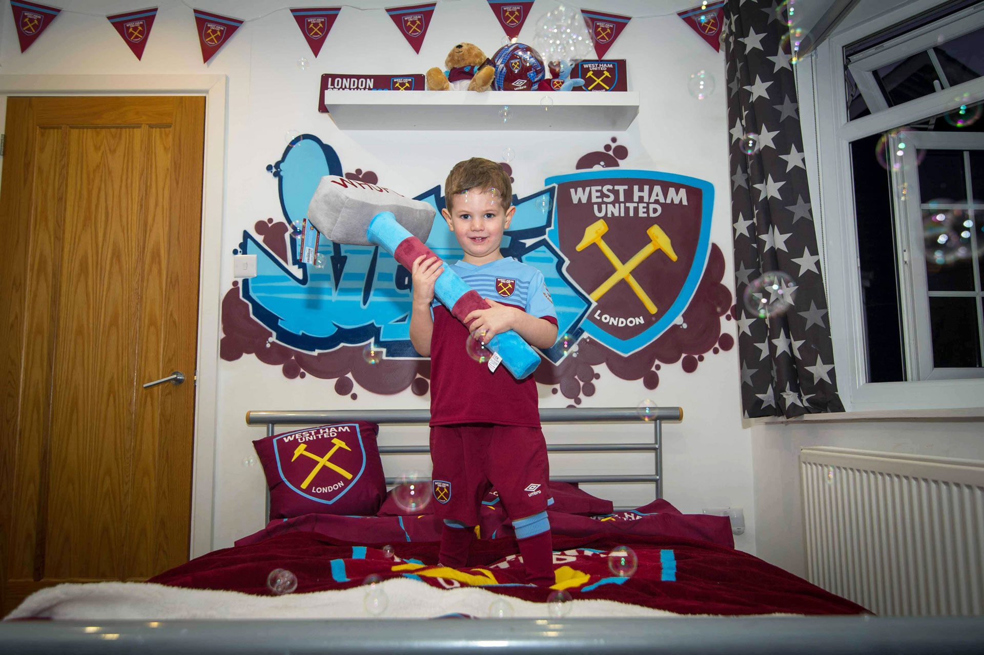 132-Child-in-Westham-themed-bedroom